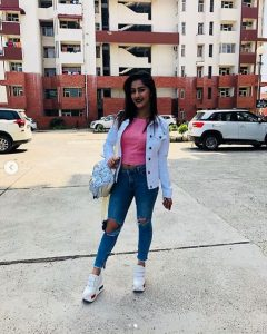 Divya Sharma Biography